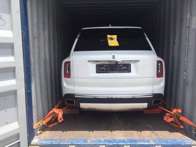 SUV siêu sang Rolls-Royce Cullinan thứ 6 về nước, nhà giàu Việt chuẩn bị khui công chiếc thứ 7 và 8